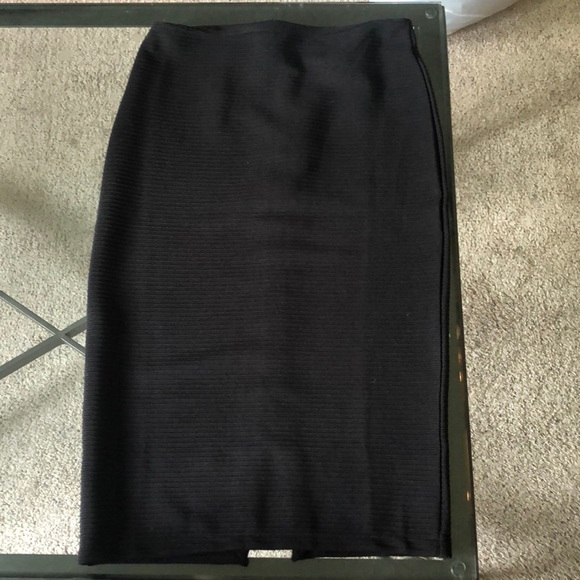 H&M Dresses & Skirts - High Wasted, Knee Length Pencil Skirt